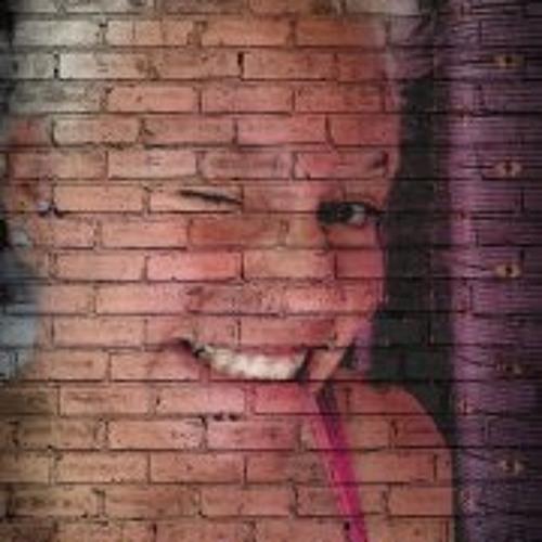 Julia Saalmann's avatar