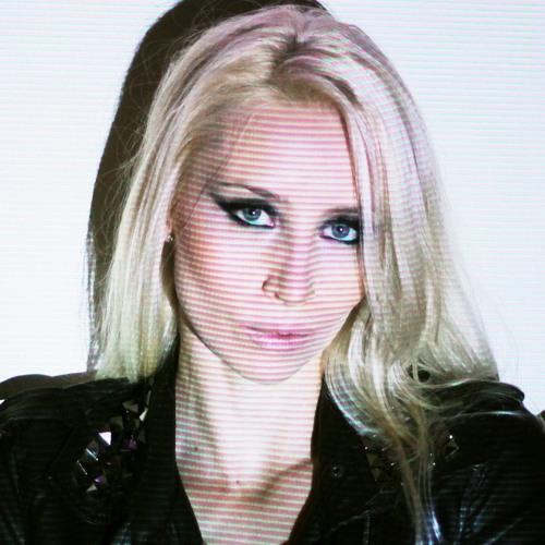 RafaelaCasagrande's avatar