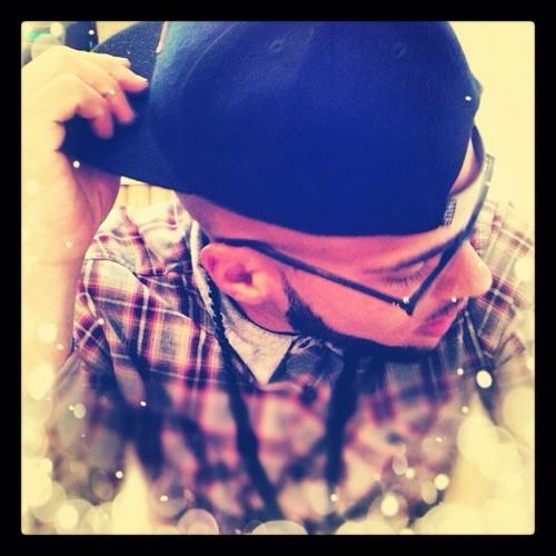 VINNY.'s avatar