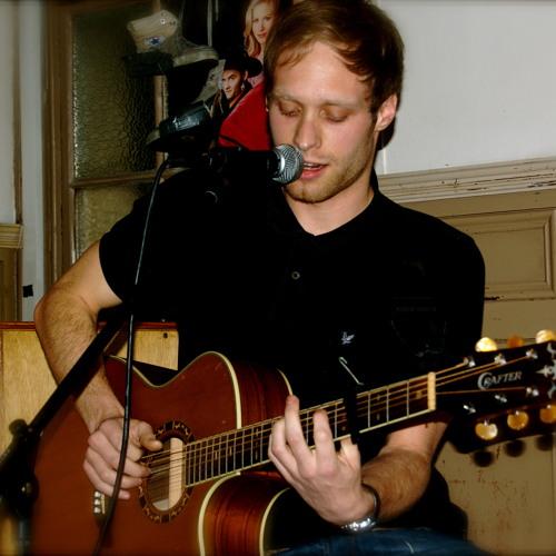 Luke Weller's avatar