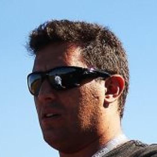 Carlos Kiwii Tavares's avatar