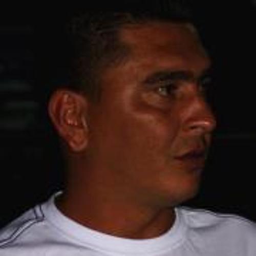 Erhan Best's avatar