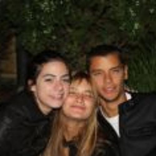 Andrea Carrera Belfort's avatar