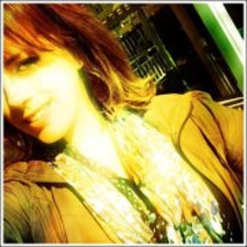 Belinda Pearce's avatar