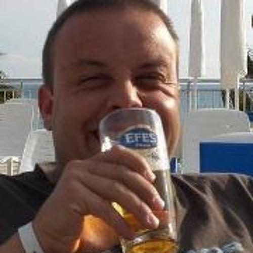 Adrian Bertolaso's avatar