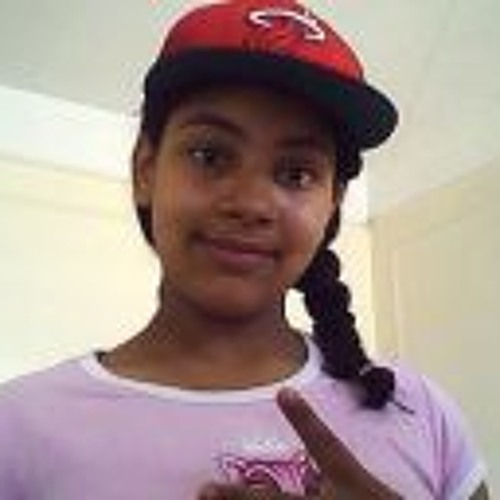 Karina Tavarez's avatar