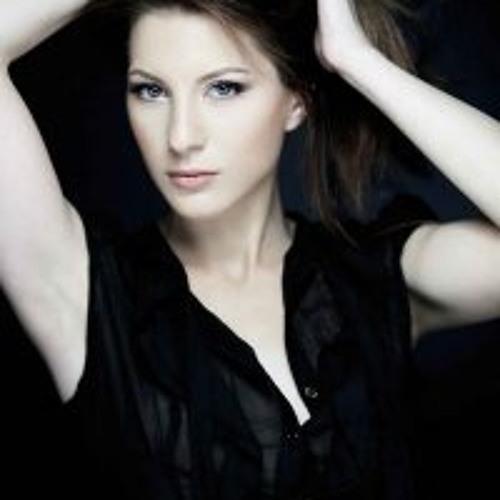 Iuliana Anton's avatar
