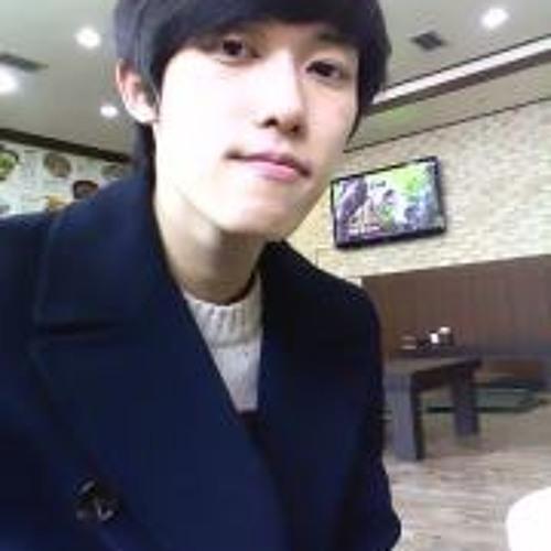 Chang Kyeong Lee's avatar