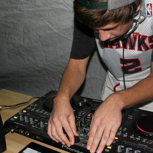 DJ Yatesy's avatar