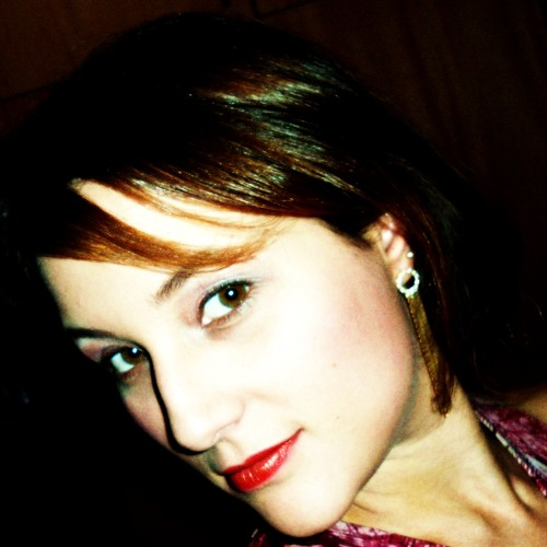 Aline Isabela Correia's avatar