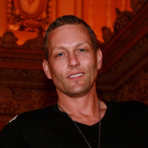 Matthew Harvat's avatar