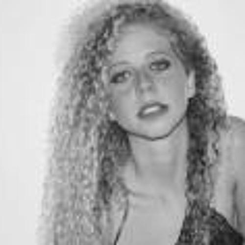 Carolina Muller Bacellar's avatar