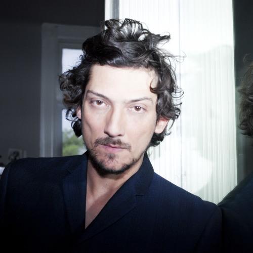 Leon Larregui's avatar
