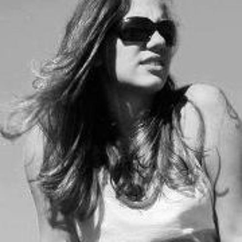 Thais Rezende's avatar
