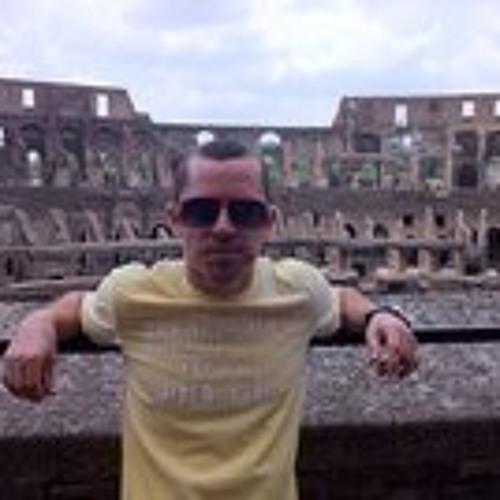 Daniel Naveh's avatar