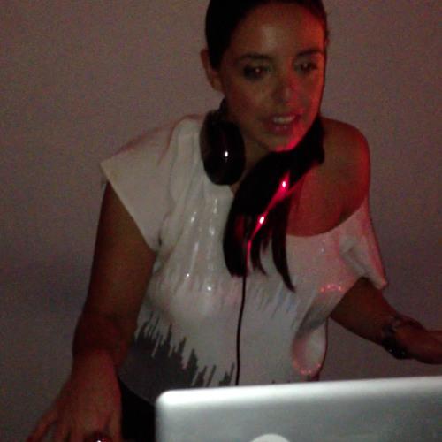 DJ Carrie B's avatar