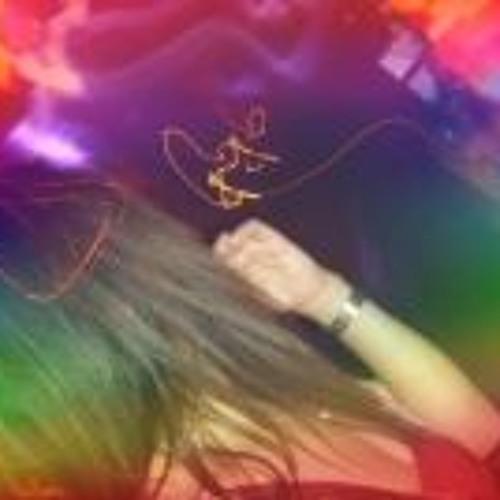 Kay Fernandez's avatar