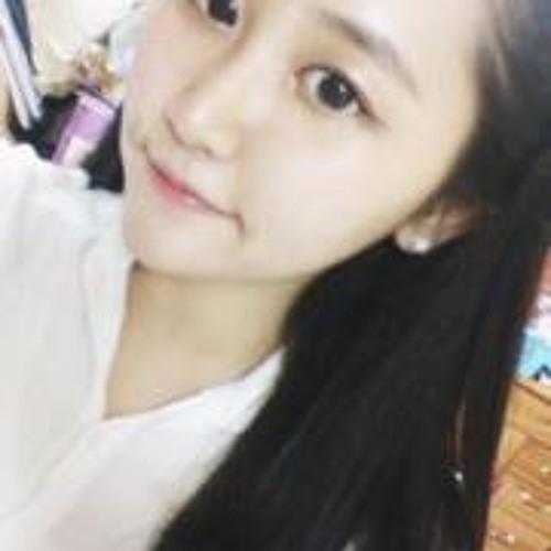 Cho Rong  Park's avatar