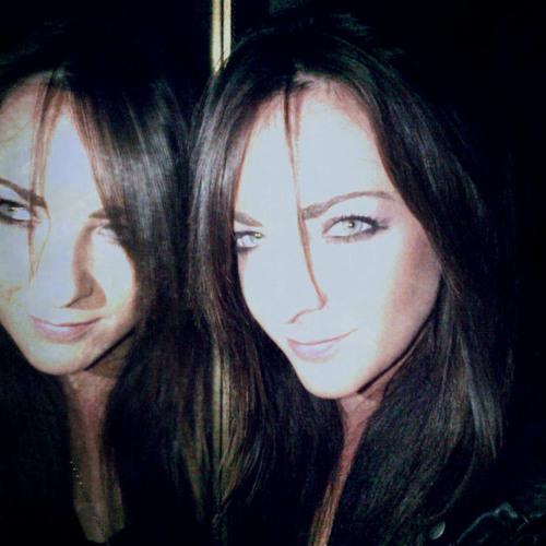 Claire Robertson 5's avatar