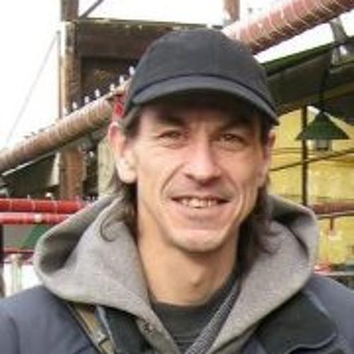 Todd DeVries's avatar
