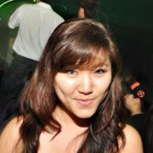 Pamela Ooi's avatar