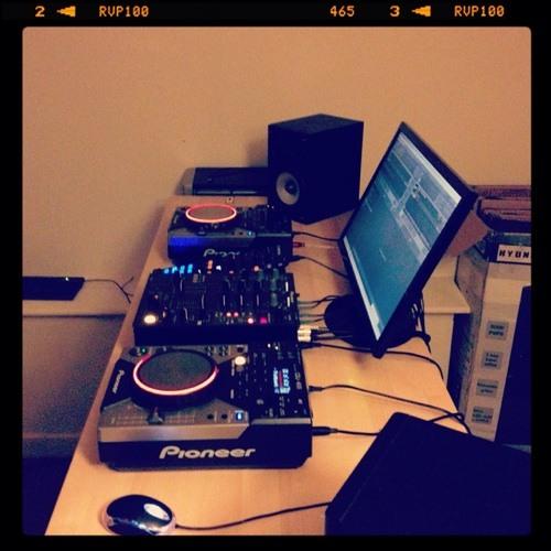 DJ TEEDO's avatar