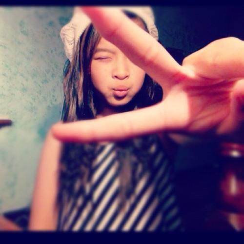 Jenniee Trinh's avatar