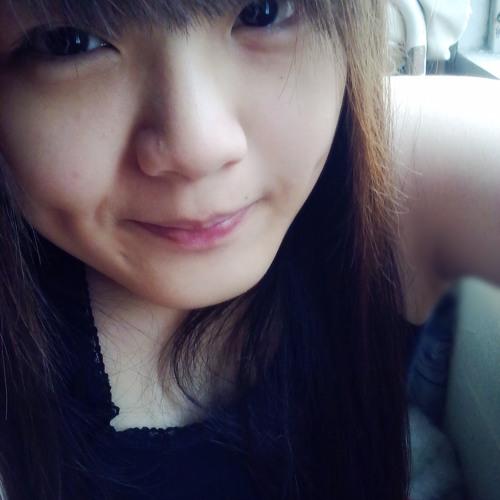 Chong Kah Mun's avatar