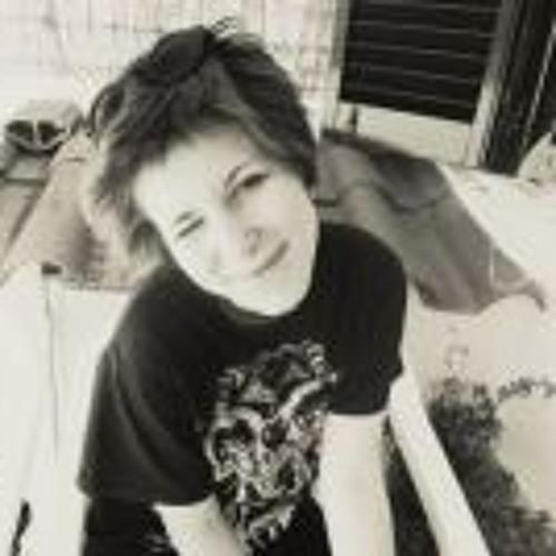 Claudia Harumi's avatar