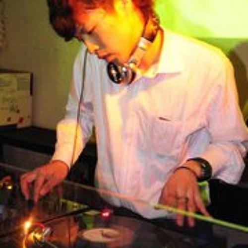 DJ SOETA's avatar