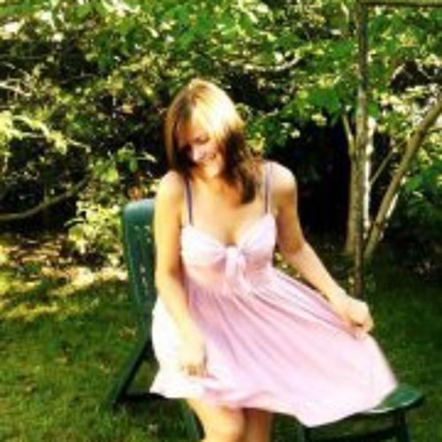 Henni Anne Ostsee's avatar