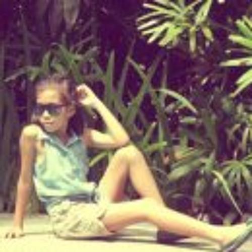 Jewel Anne Dela Cruz's avatar