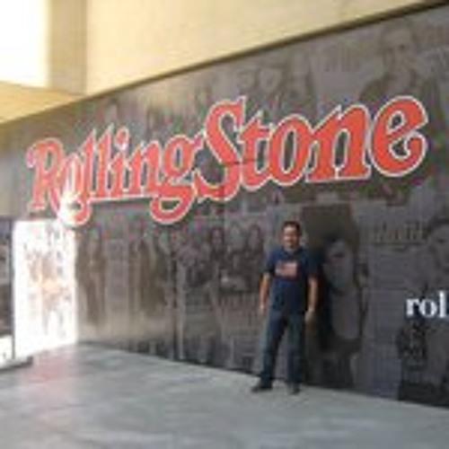 Carlos Roldan 5's avatar