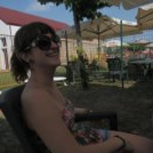 Renata Gubiani's avatar