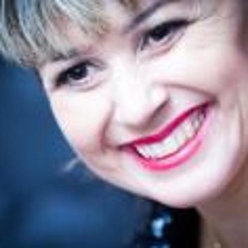 Mariane Oliveira 1's avatar