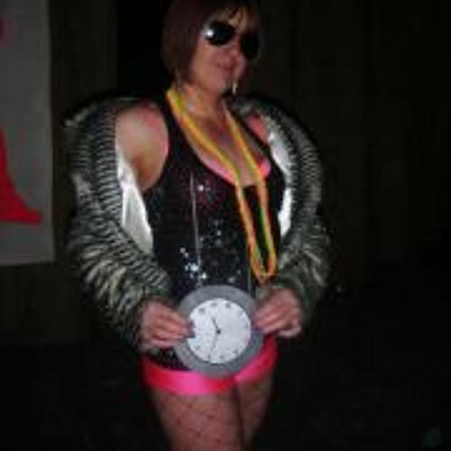 Julie Sandbach's avatar