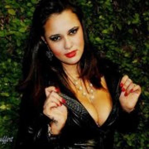 Paola Bratcho's avatar