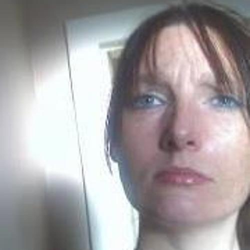 Helen Sutherland's avatar