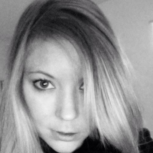 IngridH's avatar
