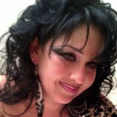 Mirtha Reyes's avatar