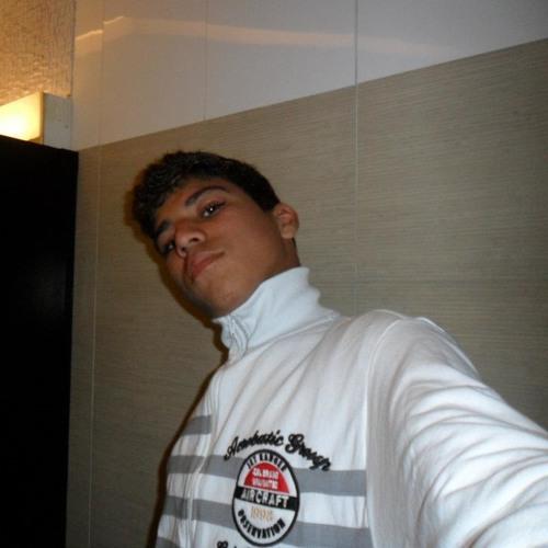 Carlos Eduardo 70's avatar