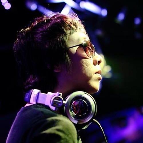 The Eastern wind vs bee and lân  We say No Vinahouze-DJ LongTocDai 2012 original mix