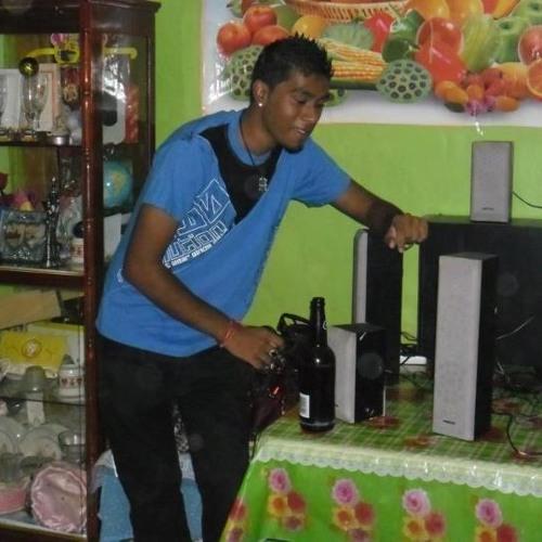 DJ Akash On Exclusuive's avatar