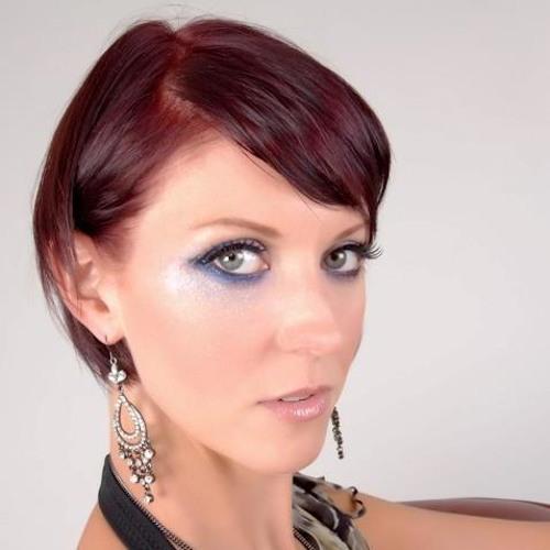 Helen G's avatar