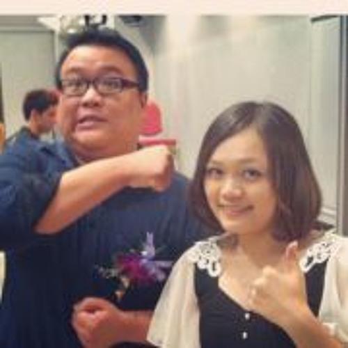 Fan Ya Fu's avatar