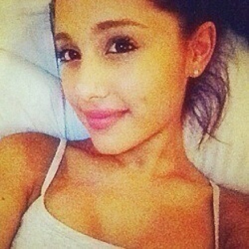 Love4Ariana_'s avatar