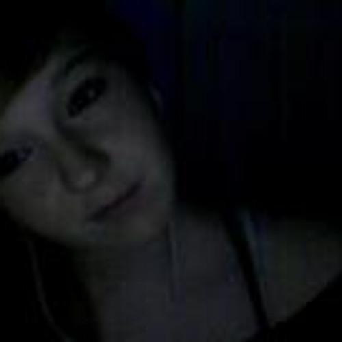Julia Araya's avatar