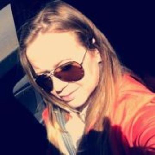 Joyce Oliveira 5's avatar