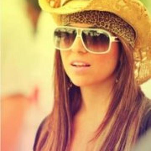 #Juliana Mesquita's avatar