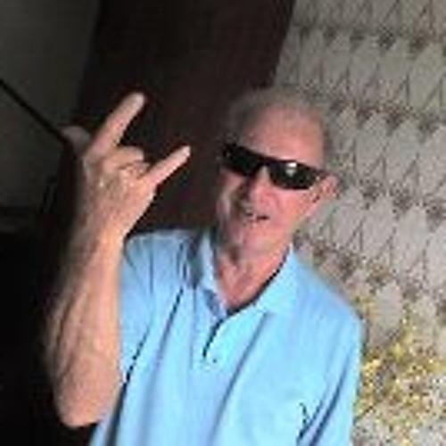 Gustavo Bastos 5's avatar